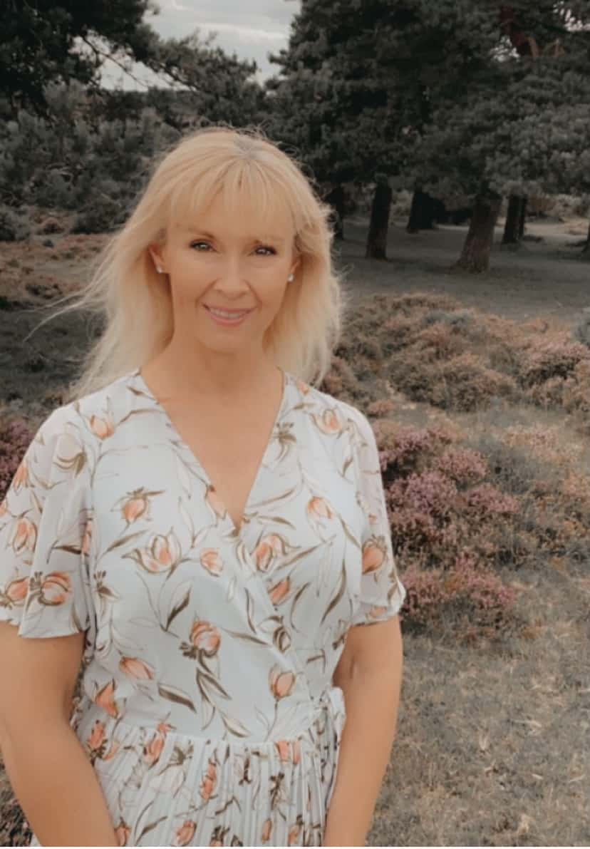 Maria Palmer, reflexologist